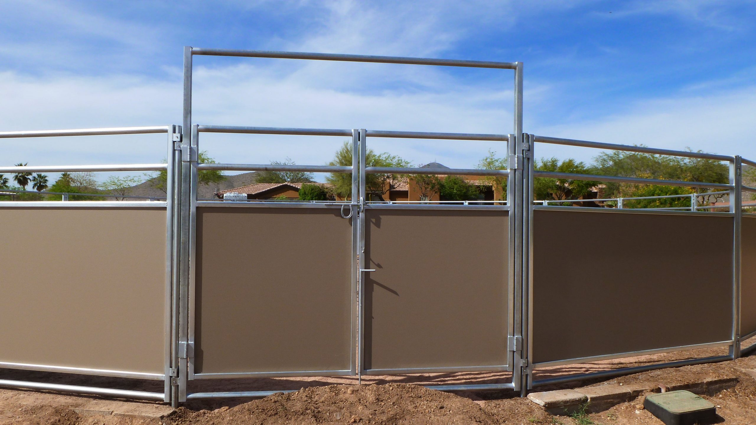 Gate for round pen. 8' wide double gate to round pens.